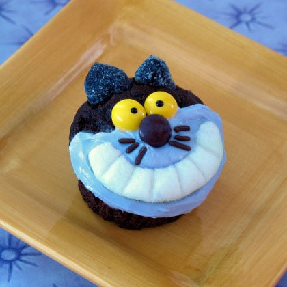 cheshire-cat-cupcake-recipe-photo-420x420-cl-000F