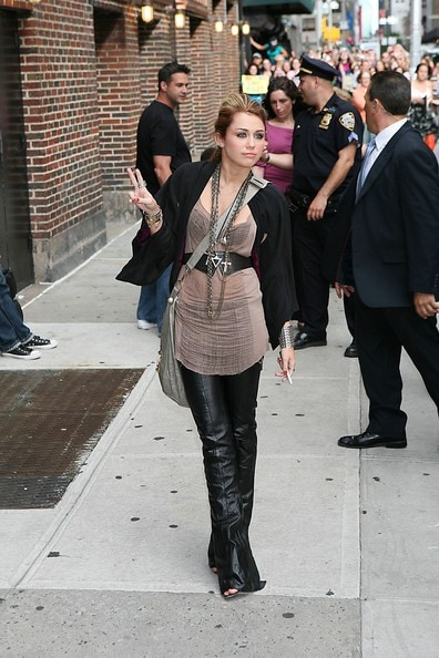 Leaving_The_Late_Show_with_David_Letterman_in_New_York__June_17__2010