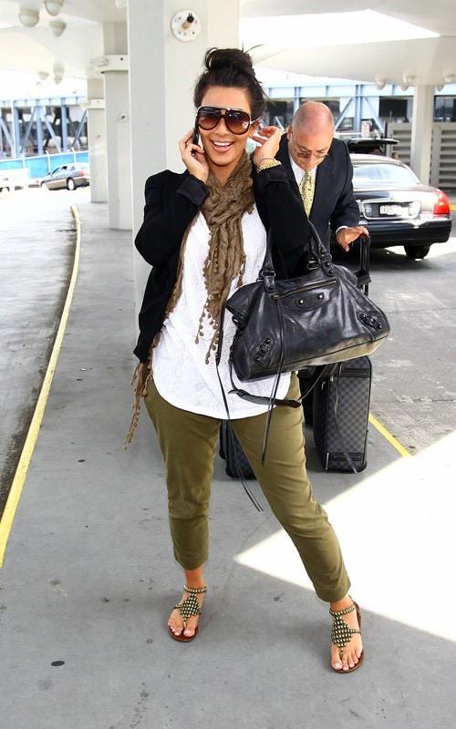 arriving-at-jfk-airport-in-new-york-june-30-2010-pic51267