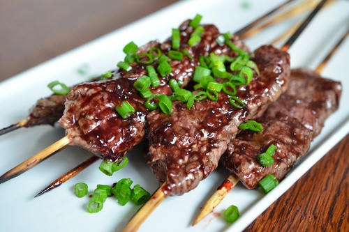 smashed-steak-skewers-with-cherry-barbecue-sauce