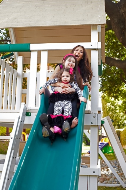 Samantha Harris with her two daughters