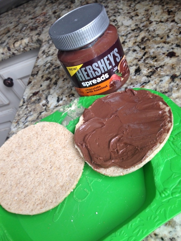 How To Use Hershey's Spreads As A Dessert