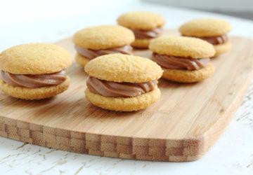 Nutella Stuffed Wafers