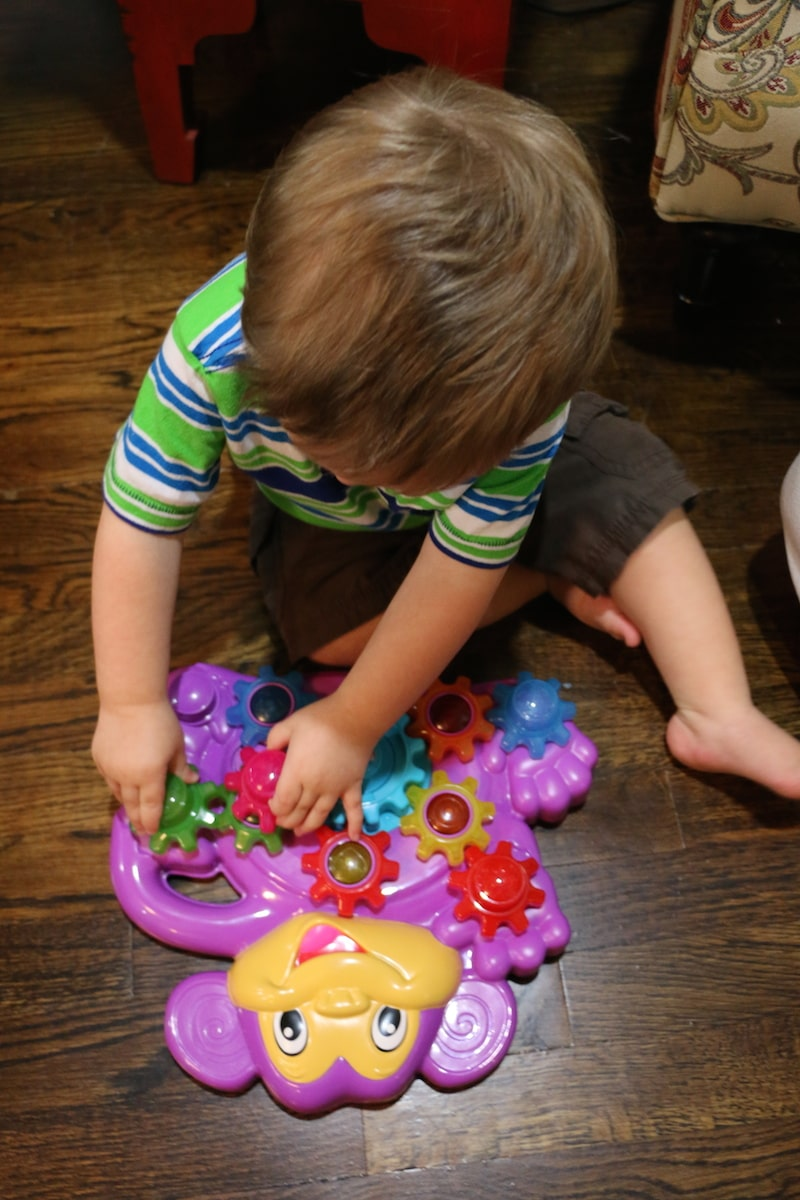 Playskool Stack N Spin Monkey Gears Toy Review: VIDEO - Lady and the ...