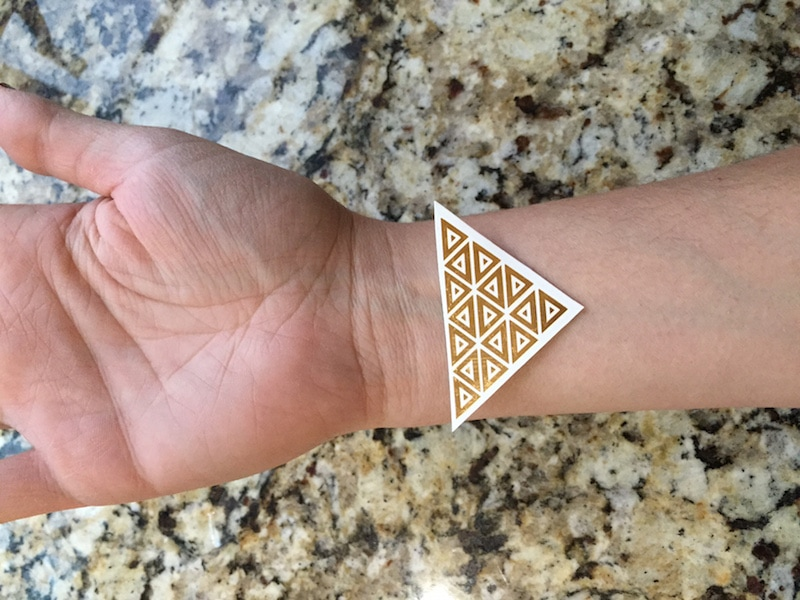 How to use a temporary tattoo