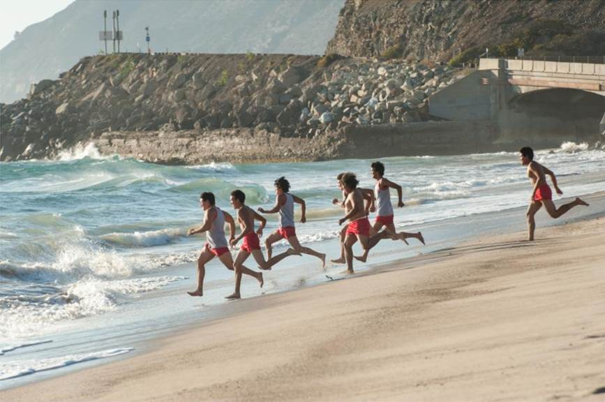 McFarland, USA runners going into the ocean for the first time