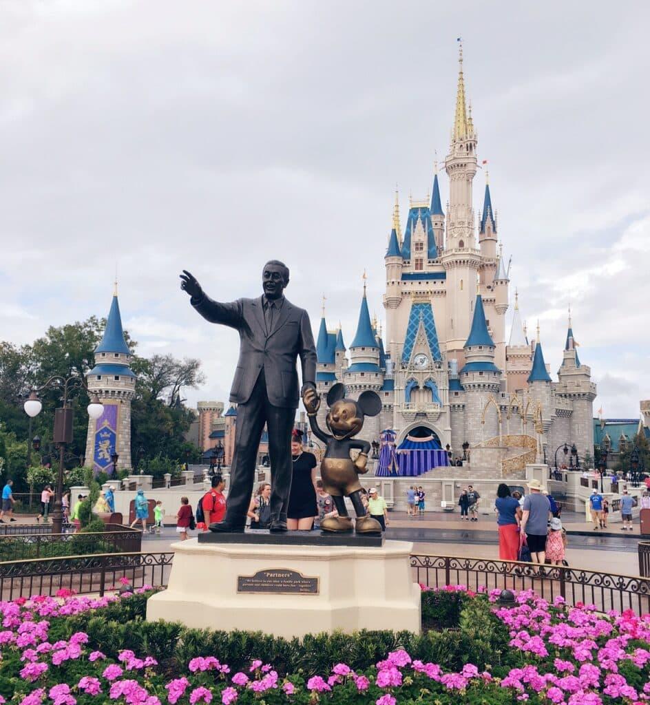 Walt Disney Mickey Mouse Statue Cinderella Castle Disney Magic Kingdom