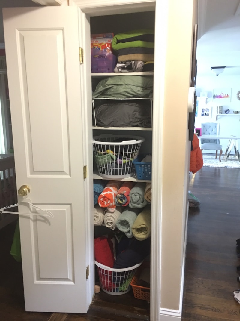 Reorganizing Your Linen Closet: 6 Easy Hacks To Try Out