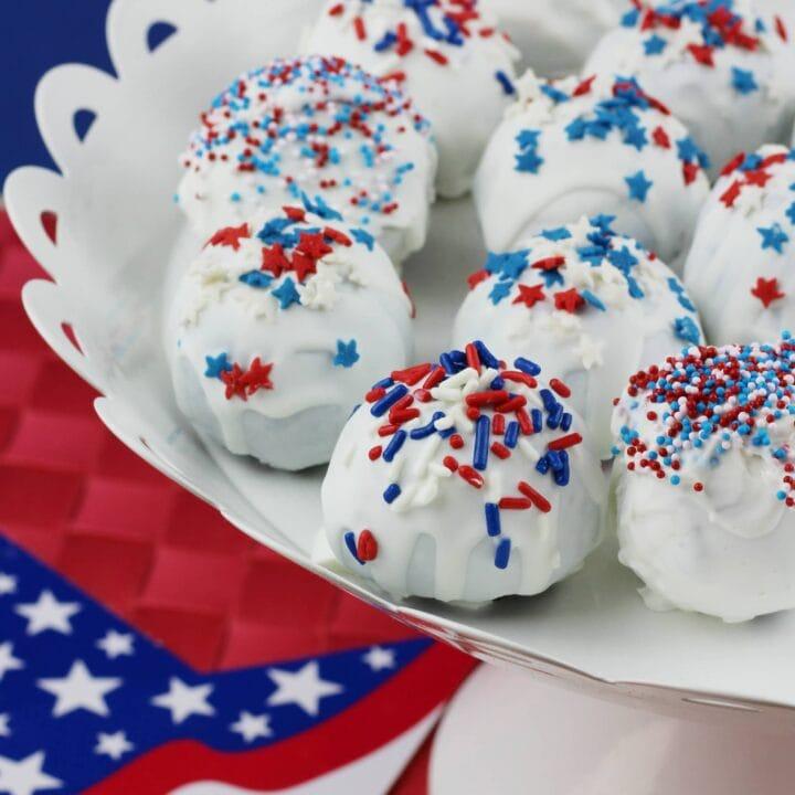 Cherry-Stuffed Oreos: Patriotic Recipe