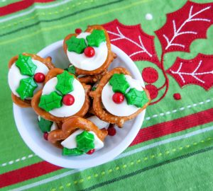 Christmas Holly Pretzels: Easy And Quick Holiday Recipe
