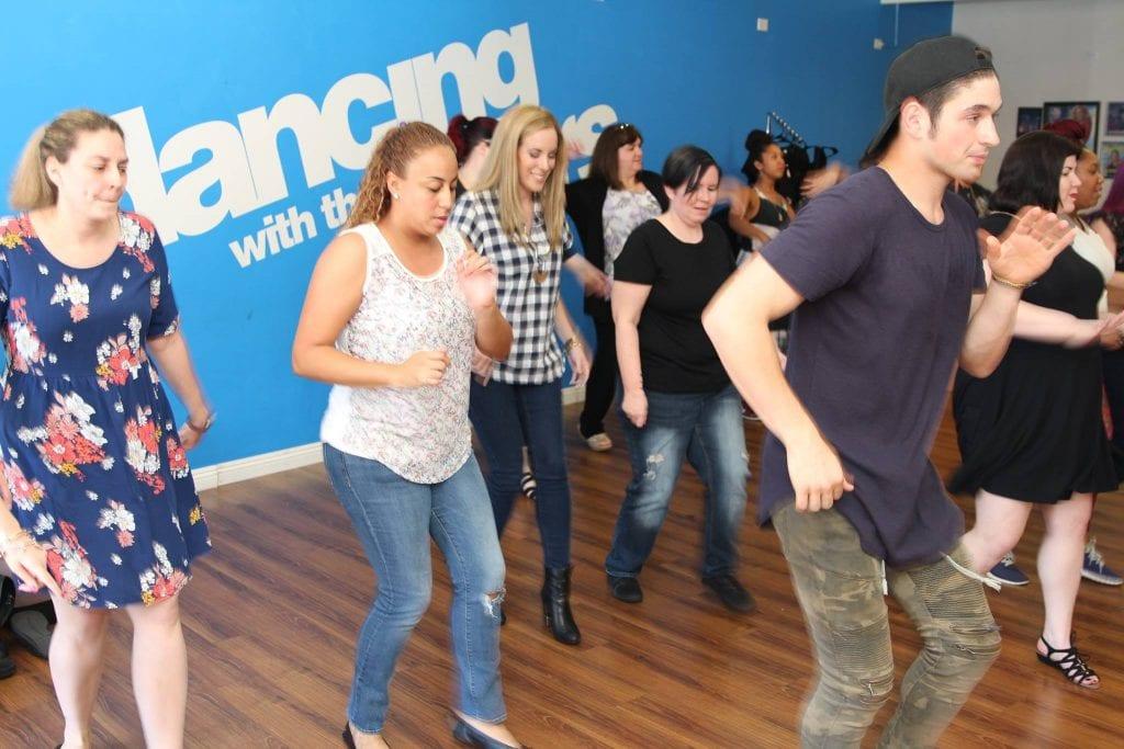 Alan Bersten leading a impromptu dance lesson