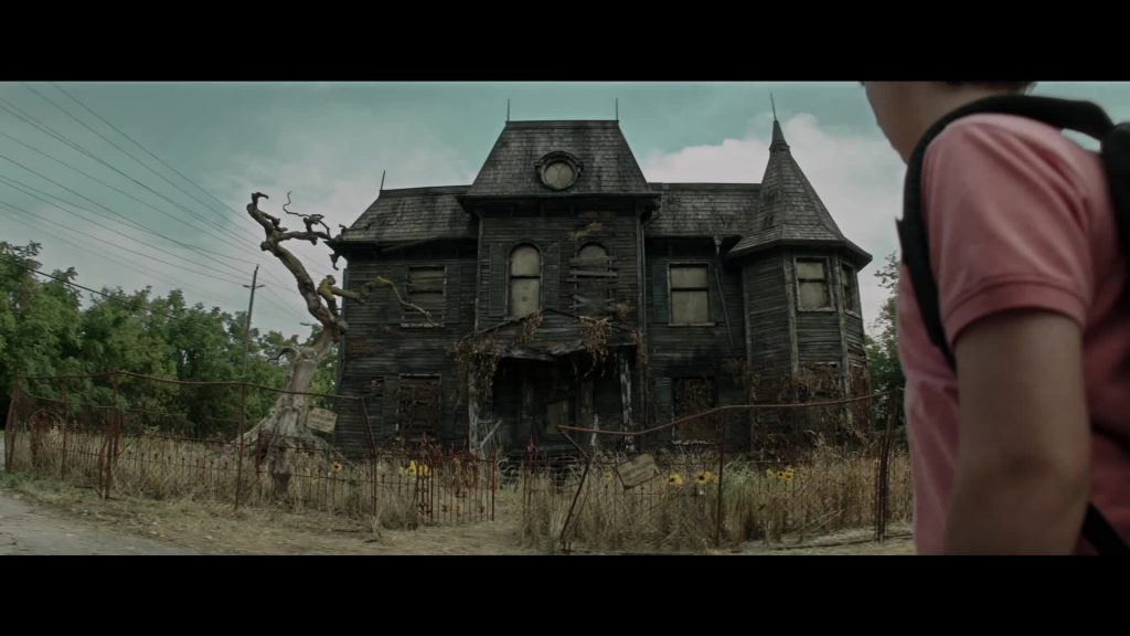 It Stephen King Remake - Pennywise Home