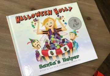 Halloween Holly: Santa's Helper