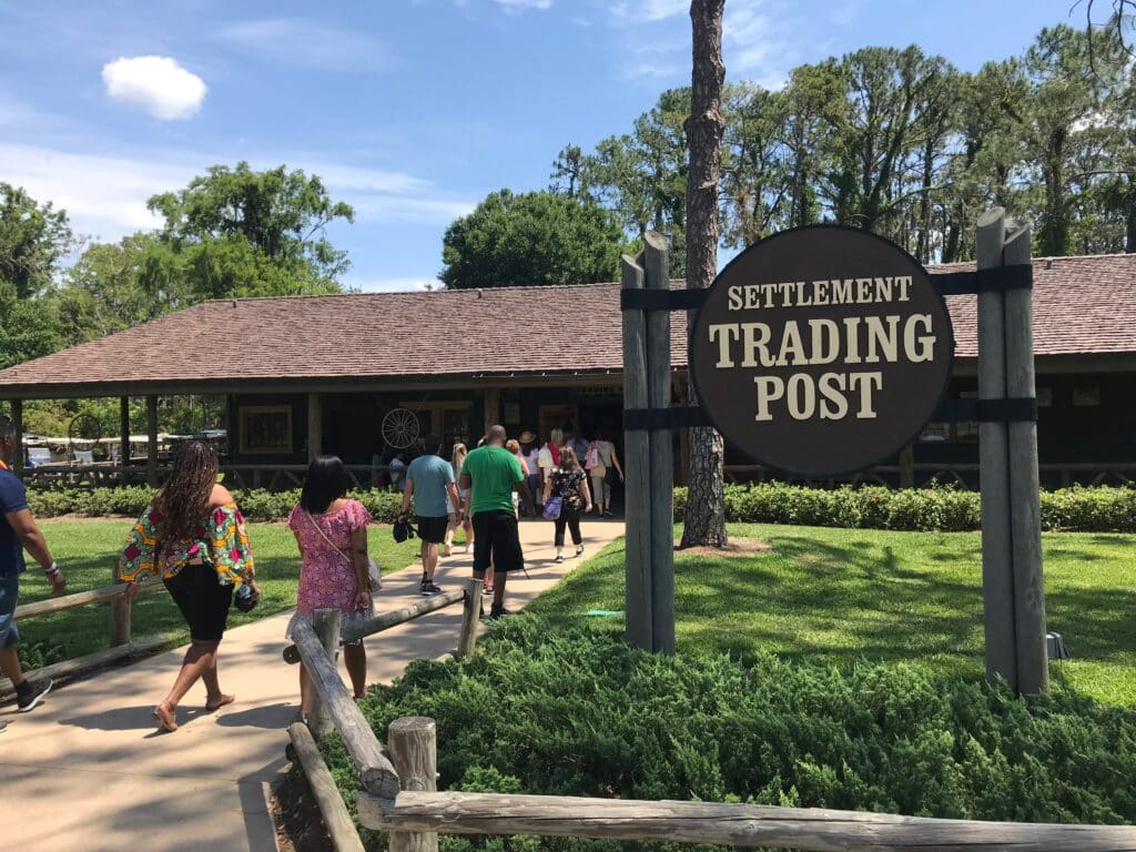 TRADING POSTS