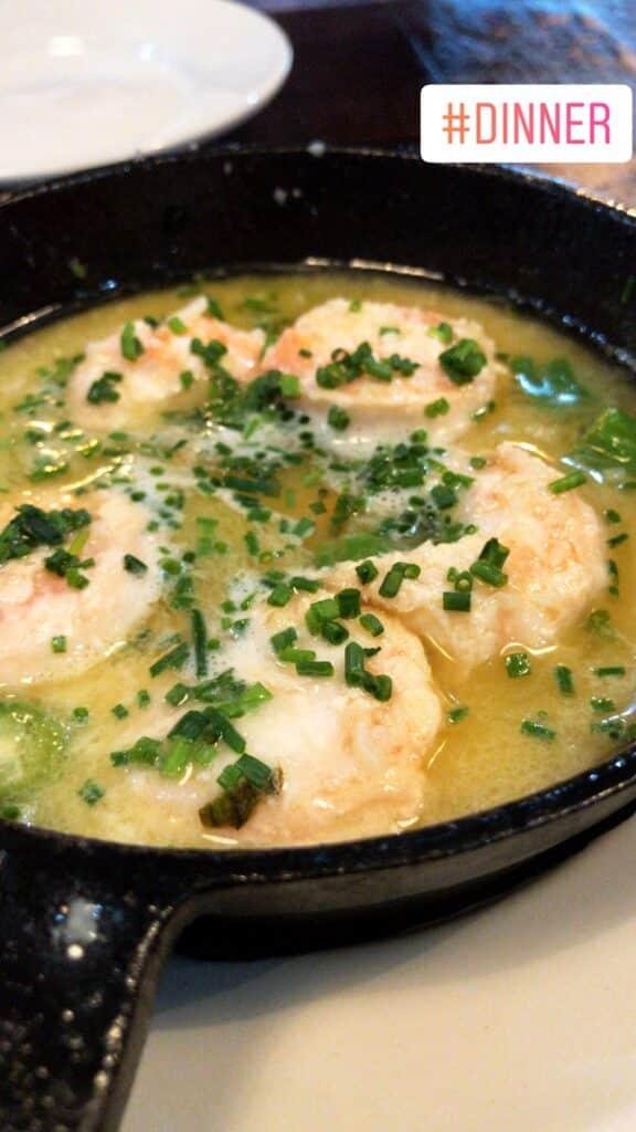 shrimp in garlic and oil - spanish tapas