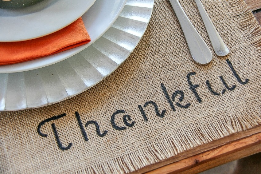 DIY Thanksgiving Decorations - Personalize Placemats For Your Thanksgiving Table