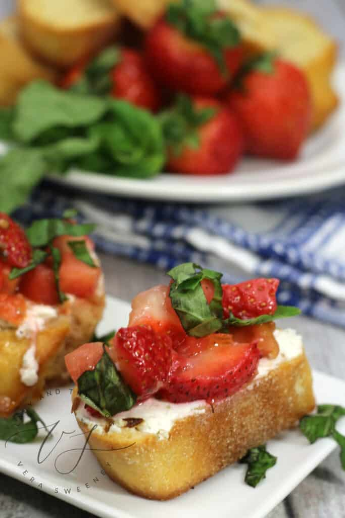 Strawberry Bruschetta Baguettes - Strawberry Appetizers