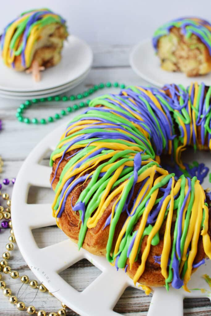 Easy King Cake Recipe For Mardi Gras - Cinnamon Roll King Cake