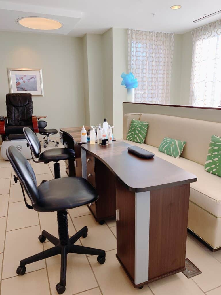 Spa nail salon