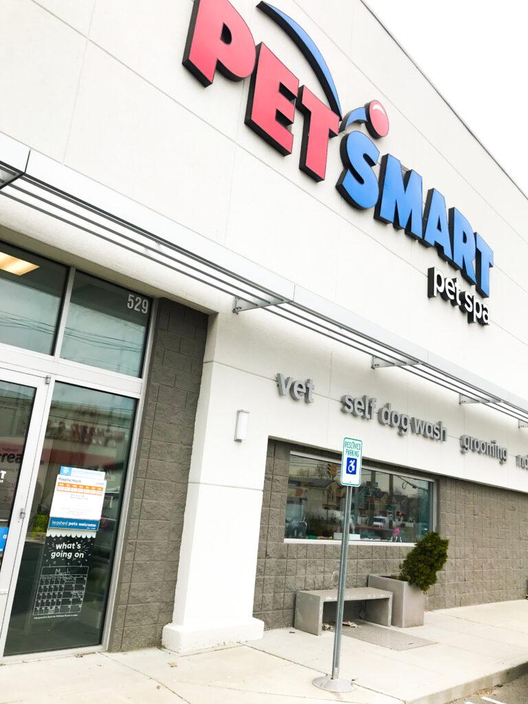 PET SMART Store
