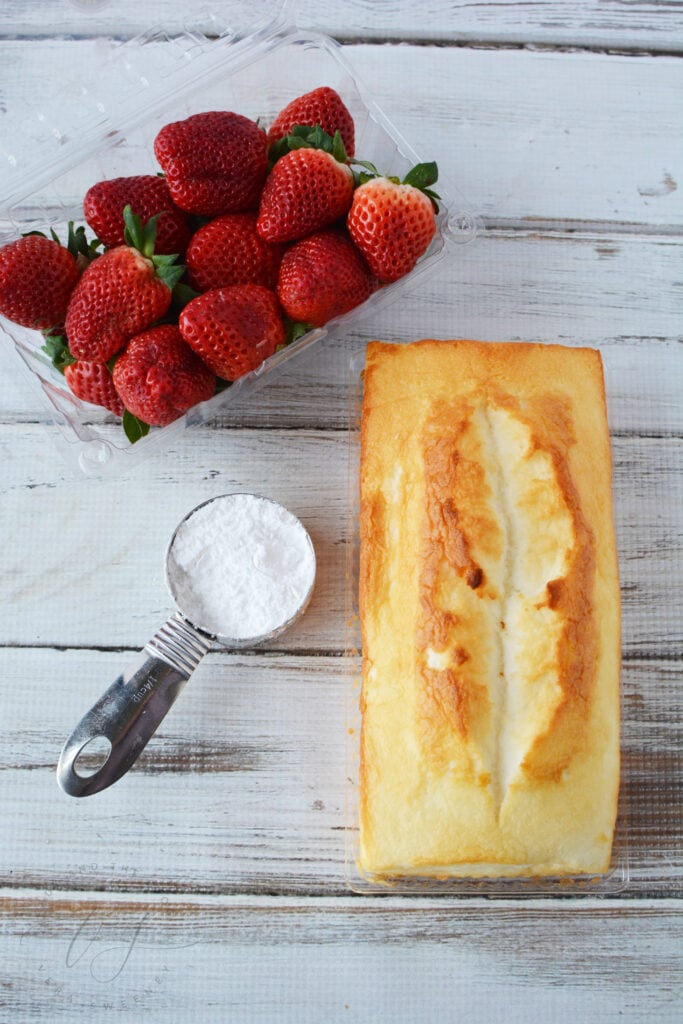 Strawberry, sugar, loaf cake