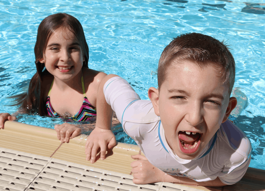 sharks minnows pool game