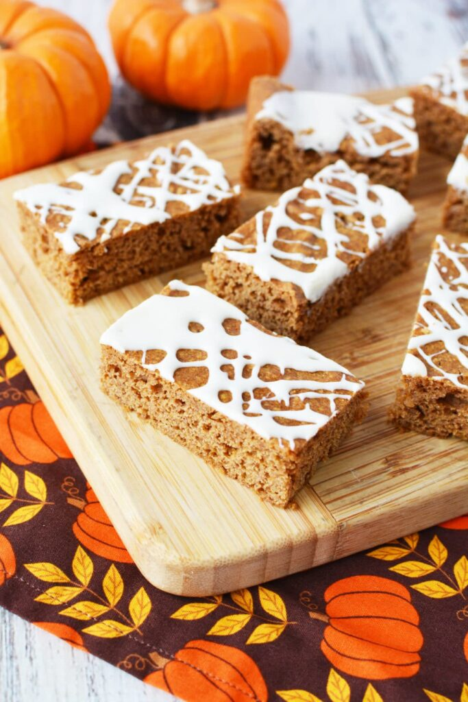 bake a pumpkin treat