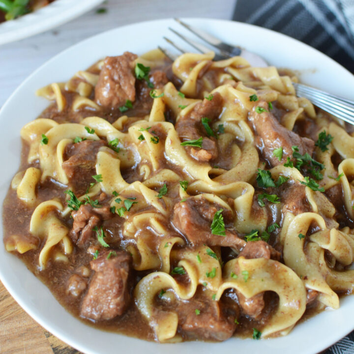 Slow Cooker Beef With Noodles