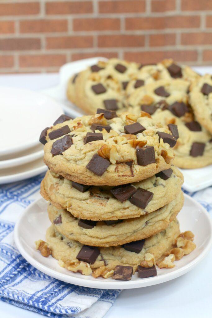 Levain Copycat Chocolate Chip Cookies