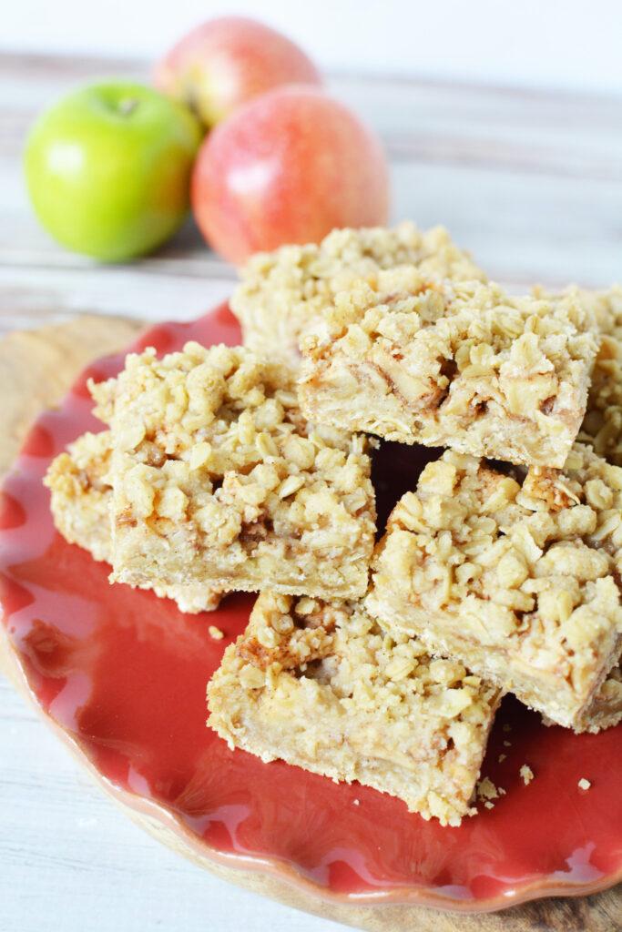 apple crumb bar dessert